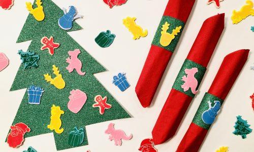 Kerst tafel versiering voor tijdens het kerstdiner met kinderen