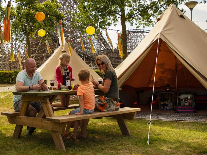 Toverland slapen op pop up summercamp